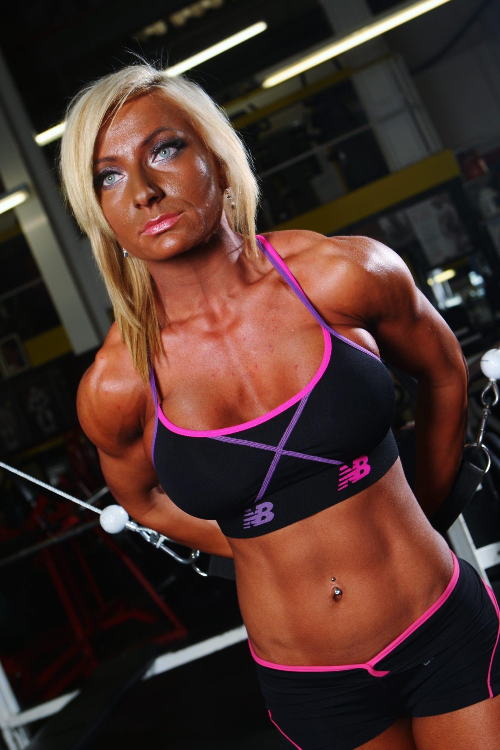 How Often Should You Train Your Abdominals? Do It As A UKBFF & IFBB Judge Would!